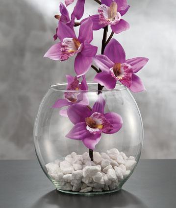 Decorare la casa con fiori artificiali creando idee - Centrotavola natalizi con fiori finti ...