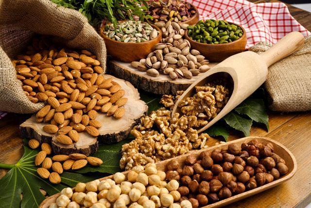 la-frutta-secca-fa-bene-proprieta-nutritive-benefici
